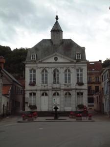 Ancien hôtel de ville d'Andenne, place du Perron.